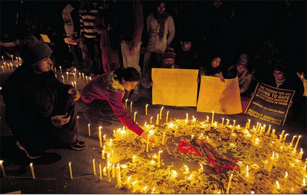 rape protesting delhi