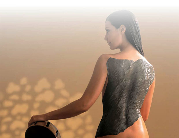 mud therapy detoxifying skin