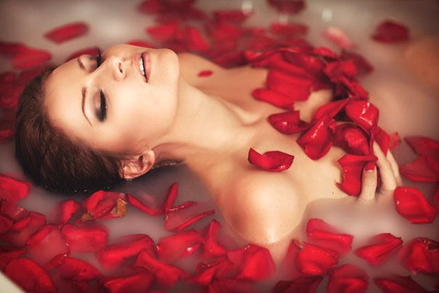 red rose bath