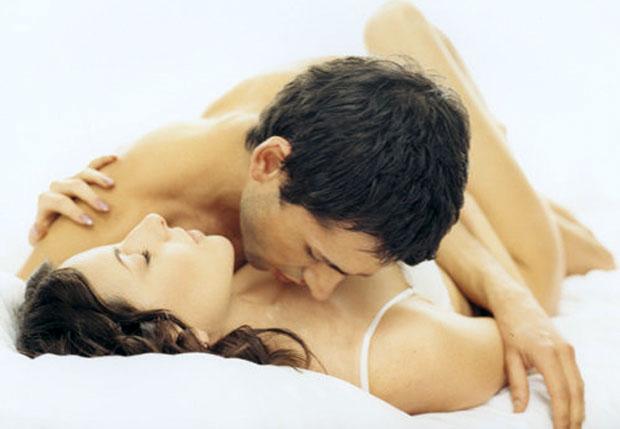 kissing love