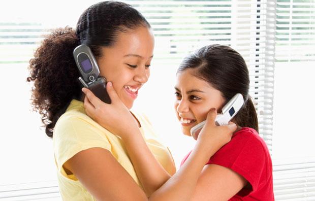 kids talking in mobile phones