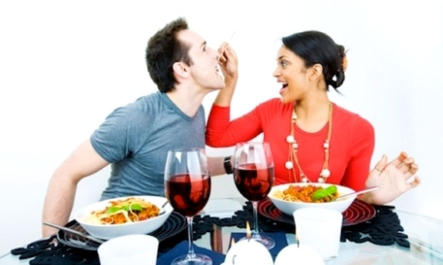 couples eating