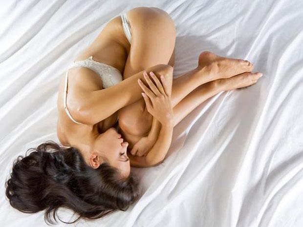 sleep woman position