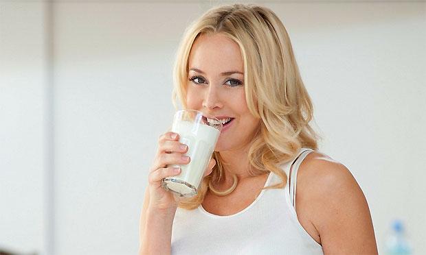 girl drinking garlic milk